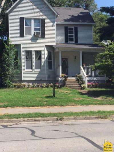 Clinton Single Family Home For Sale: 511 E Green St