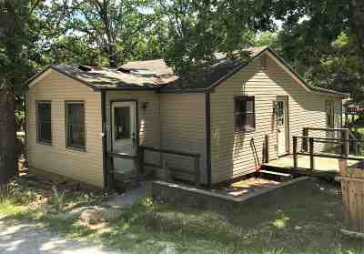 Warsaw Single Family Home For Sale: 19090 Clinton Rd.