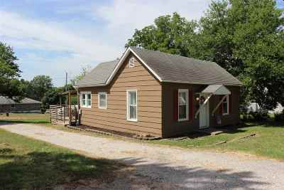 Johnson County Single Family Home Sale Pending/Backups: 307 W McPherson