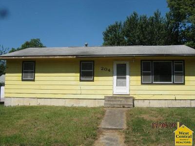 La Monte Single Family Home For Sale: 204 S Chestnut