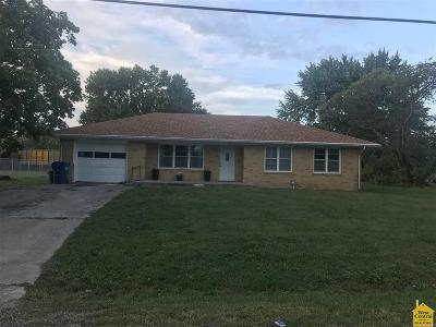Smithton MO Single Family Home For Sale: $79,900