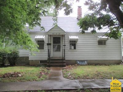 Windsor Single Family Home For Sale: 105 N Franklin