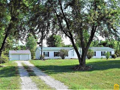 Johnson County Single Family Home For Sale: 31 SW 600