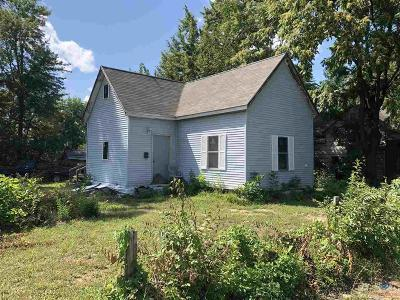 Sedalia Single Family Home For Sale: 301 N Summit