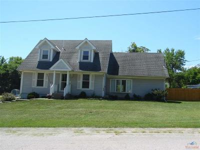 Knob Noster MO Single Family Home For Sale: $219,000