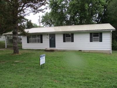 Windsor Single Family Home For Sale: 600 Poplar Dr