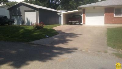 Windsor Single Family Home For Sale: 310 E Kentucky