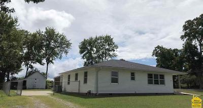 Clinton Single Family Home For Sale: 718 E Clinton St.