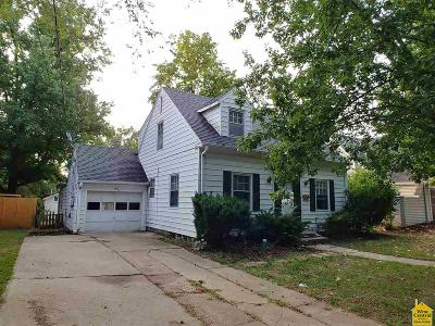 Clinton Single Family Home For Sale: 906 S 2nd