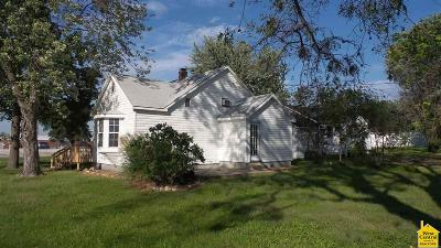 Benton County Single Family Home Sale Pending/Backups: 100 E Lamine