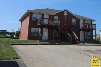 Johnson County Multi Family Home For Sale: 718 Cedar Drive