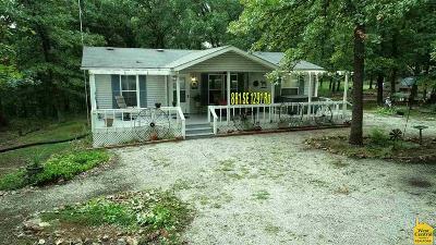 Deepwater Single Family Home Sale Pending/Backups: 881 SE 1291 Rd