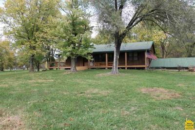 Sedalia Single Family Home For Sale: 25265 Bothwell Park Rd