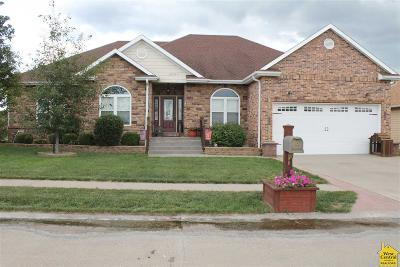 Sedalia Single Family Home For Sale: 19700 Mockingbird Ln