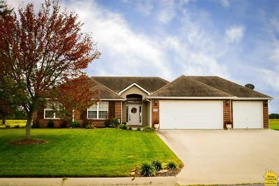 Clinton Single Family Home Sale Pending/Backups: 228 NE 104