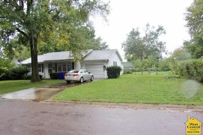 Sedalia MO Single Family Home For Sale: $63,000