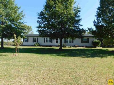 Henry County Single Family Home For Sale: 616 SE 561 Rd.