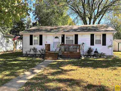 Clinton Single Family Home For Sale: 304 N 7th