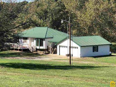 Warsaw Single Family Home For Sale: 39119 Highway K