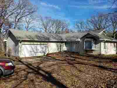 Warsaw Single Family Home For Sale: 33304 Oakwood Dr