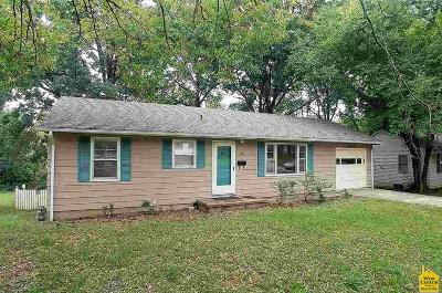 Johnson County Single Family Home For Sale: 506 Christopher Street