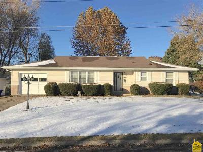 Sedalia MO Single Family Home For Sale: $105,000
