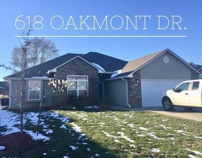 Johnson County Single Family Home Sale Pending/Backups: 618 Oakmont Dr