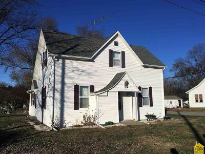 Lincoln Single Family Home Sale Pending/Backups: 325 E Main St.