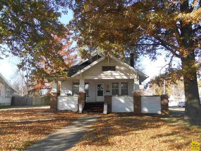 Clinton Single Family Home For Sale: 801 S 2nd Street