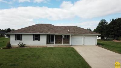 Clinton Single Family Home For Sale: 1705 S Center