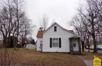 Sedalia Single Family Home For Sale: 819 E 9th