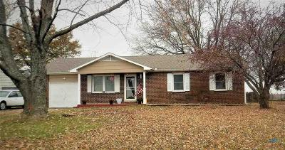 Johnson County Single Family Home For Sale: 1090 SE 301