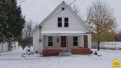 Single Family Home For Sale: 207 N Elm