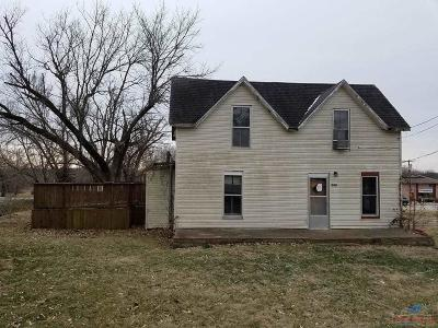 Benton County Single Family Home For Sale: 509 E Main