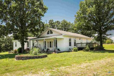 Warsaw Single Family Home For Sale: 38097 Hwy 65
