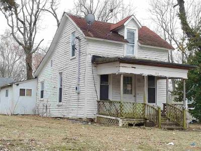Henry County Single Family Home For Sale: 206 W Benton