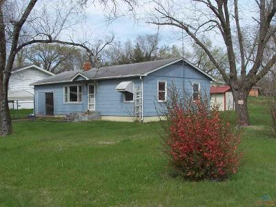 Benton County Single Family Home For Sale: 504 Arcadia St