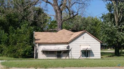 Clinton Single Family Home For Sale: 517 N 2nd St
