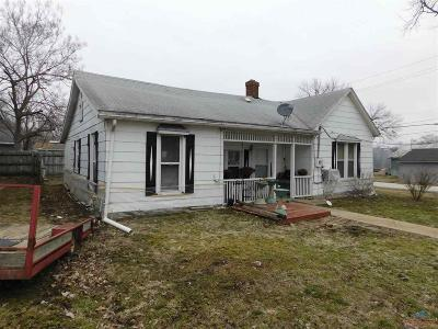 Clinton Single Family Home For Sale: 417 S Water