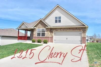 Johnson County Single Family Home For Sale: 1215 Cherry