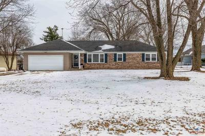 Sedalia Single Family Home For Sale: 30730 North Lake Dr.
