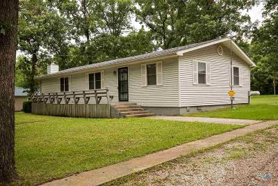 Warsaw Single Family Home Sale Pending/Backups: 26249 Lightfoot Ln