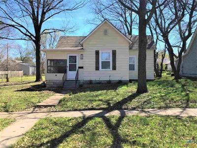 Sedalia Single Family Home For Sale: 910 E 13th