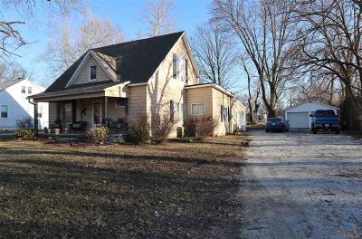 Clinton Single Family Home For Sale: 1000 E Franklin