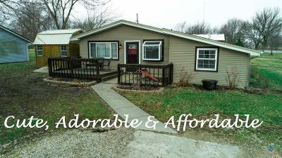 Johnson County Single Family Home Sale Pending/Backups: 206 SW 1671 Road