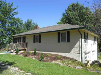 Clinton Single Family Home For Sale: 47 W N Hwy