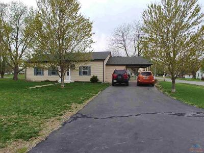 Benton County, Henry County, Hickory County, Saint Clair County Single Family Home For Sale: 501 E 1st Street