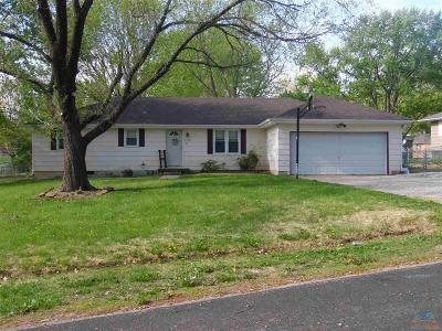 Pettis County Single Family Home For Sale: 2790 Southgate Loop