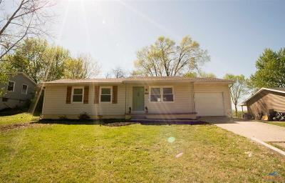 Johnson County Single Family Home For Sale: 178 SE 411th Rd