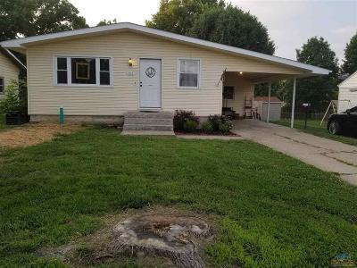 Clinton Single Family Home For Sale: 511 E Clinton